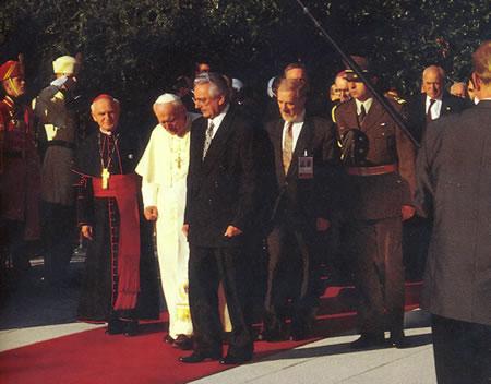 Benediktinke i Papa u Hrvatskoj